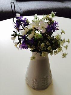 Jeg elsker Vejkantsblomster. Især når det er min fantastiske fireårige søn der har samlet den til mig! #kærlighed #blomster #vejkant #buket #forår #Danmark #skønnenatur #elsk