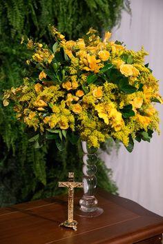 Arranjo de flores amarelas para bodas de ouro. Foto:Edu Federice