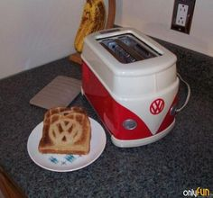 We've found a lot of interesting creation inspired by VW bus, so today we decide to gather some innovative designs. Bus camper tent, VW bus sidecar, and VW bus toaster… which one is your favorite? Bus Camper, Kombi Motorhome, Hippie Camper, Cool Toasters, Vw Logo, Combi Vw, Ideias Diy, Automotive Decor, Volkswagen Bus