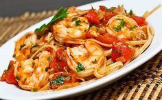 Shrimp Linguine in a Tomato Sauce. Shrimp Linguine in a Tomato and White Wine Sauce Shrimp Linguine, Seafood Pasta, Seafood Dishes, Pasta Dishes, Seafood Recipes, Pasta Recipes, Cooking Recipes, Healthy Recipes, Copycat Recipes
