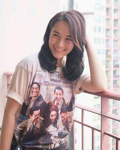 Chelsea Islan, Beautiful Asian Girls, Sport Girl, Music Artists, Asian Beauty, Photoshoot, Actresses, T Shirts For Women, Celebrities