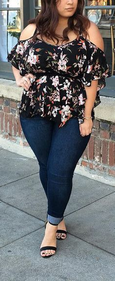Plus Sized Outfit Ideas for Women – Plus Sized Outfit Ideas for Women – More from my siteChic Plus Sized Style Ideas for Women – outfits plus size women: Plus Size Fashion for Women – Plus Size Fall Outfi…fall outfits plus size … Curvy Outfits, Mode Outfits, Fashion Outfits, Fashion Trends, Ootd Fashion, Fashion 2020, Chic Outfits, Fashion Clothes, Spring Outfits