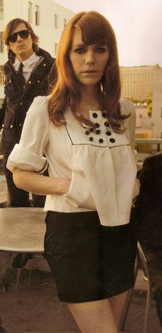 Jenny Lewis // Rilo Kiley << I love everything about her! So beautiful, so stylish, and one of my favorite voices ever! Jenny Lewis, Celebrity Look, Female Singers, Girl Crushes, Pretty Outfits, Style Guides, Style Icons, Beautiful People, Fashion Beauty