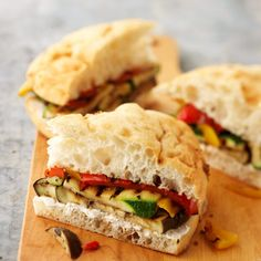 Use farmer's market veggies to make these flavorful Grilled Vegetables on Focaccia. Recipe: http://www.bhg.com/recipe/vegetables/grilled-vegetables-on-focaccia/?socsrc=bhgpin060812