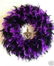 halloween decorations feather boa wreath, I think I would love feathers in any color!