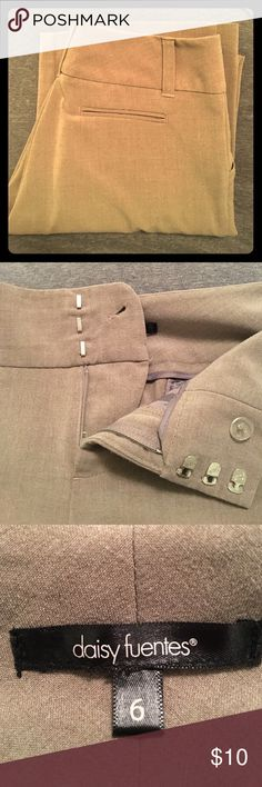 Daisy Fuentes Khaki Trousers size 6 These khaki trousers make a great compliment to just about any top or blouse. The straight led is flattering on any figure, excellent condition. They look brand new! Daisy Fuentes Pants Trousers