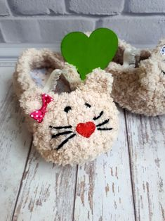 For your princess!) House slippers for children 3-12 years old For more comfort - inside there is cotton and fleece.  You can order any color, any size, type of yarn and decorative slippers. Slippers are very good, comfortable, beautiful and, of course, cozy.  Slippers are ideal as a gift for New Year or Birthday, for Valentine's Day or just for a special date.  - Slippers are a good value - because they are made of quality materials; - You can choose the color of the yarn.