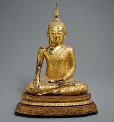 A large Thai gilt bronze Buddha seated on a lotus throne, Rattanakosin, C. 1015 H. Art Thai, Thai Buddha Statue, Laos, Statues, Bronze, Asian, Tattoos, Drawings, Amazing
