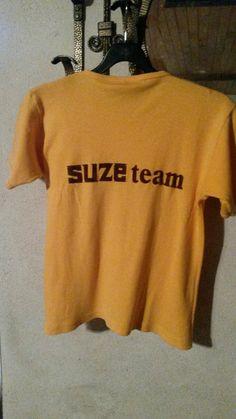 Tshirt SUZE ( verso) trouvé sur le vide grenier de Saint Just en Chevalet.  J'ai