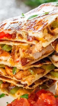 Chicken Fajita Quesadillas – sauteed onions red and green peppers perfectly seasoned chicken breast melted cheese between two tortillas. Seafood Recipes, Mexican Food Recipes, Chicken Recipes, Dinner Recipes, Chicken Breast Recipes Healthy, Dessert Recipes, Desserts, Avocado Recipes, Healthy Recipes