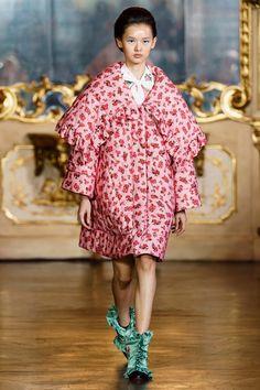 Vivetta Fall 2019 Ready-to-Wear Fashion Show Vivetta Fall 2019 Ready-to-Wear Collection - Vogue Milan Fashion, Look Fashion, Runway Fashion, High Fashion, Fashion Design, Fashion Trends, Vogue Fashion, Vivetta, Vogue Magazine