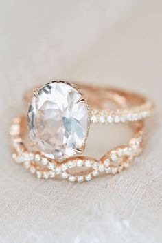 Engagement Bands - Rose gold engagement rings have a feminine and romantic look. These rings is a fantastic choice for people with warm and cooler skin tones. Beautiful Wedding Rings, Wedding Rings Rose Gold, Beautiful Engagement Rings, Wedding Rings Vintage, Bridal Rings, Wedding Jewelry, Wedding Band, Gold Rings, Oval Rings