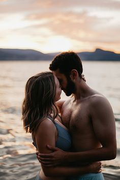 Cute Couples Goals, Couples In Love, Romantic Couples, Romantic Beach, Beach Love Couple, Best Couple, Lake Pictures, Couple Pictures, Couples Beach Photography