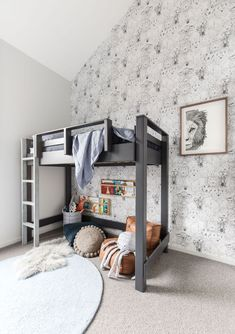 The Nina Loft bed is great for kids & adults! Like Frankie Bunk, it's made-to-order so it can be adapted to suit most room configurations. Big Boy Bedrooms, Kids Bedroom, Kids Rooms, Custom Bunk Beds, Cheap Closet, Room Interior, Interior Design, Kid Beds, Boy Room