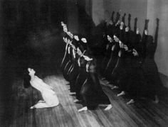 Martha Graham and her dance students performing Heretic. Cornish School, summer 1930. Soichi Sunami photograph. Courtesy Cornish School Library.