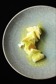 Noix de Saint-Jacques, céleri, bergamote de Atsushi Tanaka du Restaurant A.T