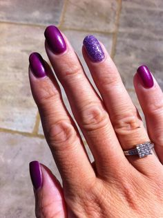 Perfectly purple GELeration mani in Violet Flame with glitter accent nail