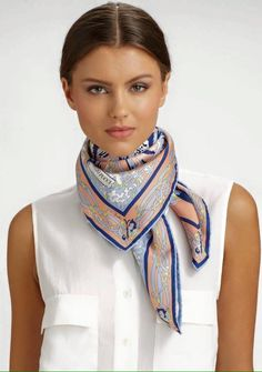 square scarf tying \ square scarf tying _ square scarf _ square scarf how to wear a _ square scarf tying tutorials _ square scarf tying large _ square scarf tying small _ square scarf outfit _ square scarf hair Scarf Knots, Scarf Belt, Scarf Hair, Ways To Wear A Scarf, How To Wear Scarves, Look Fashion, Fashion Outfits, Fashion Tips, Fashion Scarves