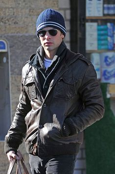 """Chace Crawford Photos: Chace Crawford on the set of """"Gossip Girl"""""""