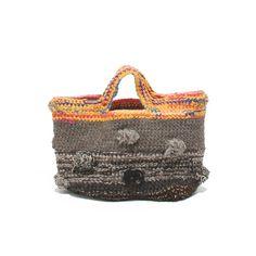 Risultati immagini per Daniela Gregis bags Diy Crochet Bag, Art Bag, Diy Purse, Boho Bags, Knitted Bags, Handmade Bags, Bag Sale, Purses And Handbags, Straw Bag