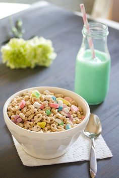 Best cereal of all time Cute Food, Good Food, Yummy Food, Cereal Cafe, Cereal Milk, Cornflakes, Cereal Recipes, Aesthetic Food, Food Cravings