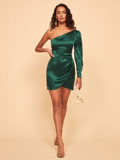 Reformation Offers Perfection With Its New Year's Eve Dresses Red Midi Dress, Green Dress, Strapless Mini Dress, Elegant Dresses, Satin Dresses, Short Dresses, Prom Dresses, Formal Dresses, Silk Short Dress