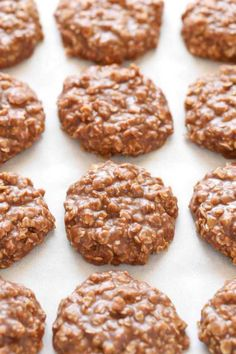 These Classic No-Bake Cookies only require a few simple ingredients and are incredibly easy to make. Loaded with peanut butter, oats, and cocoa powder, these cookies are perfect for an easy dessert! (desserts with oats butter) Desserts With Oats, Desserts With Few Ingredients, Easy Desserts, Baking Desserts, Easy Cookie Recipes, Snack Recipes, Dessert Recipes, Snacks To Make, Easy Snacks