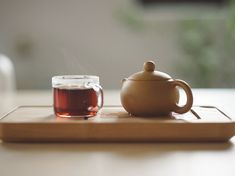 Floral notes make this tea a perfect anytime tea. Each pouch comes with 6 flavor packed tea bags for easy brewing. Troubles Digestifs, Jus D'orange, Grand Cru, Oolong Tea, Good Morning Everyone, Brewing Tea, Herbal Tea, Organic Recipes, Tea Pots