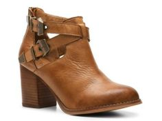 Ugg boots with low price. Visit the site and choose the best one.