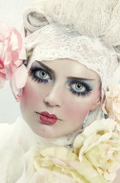 Puppen Make-up für Halloween (Fotos) Wind Up Doll Costume, Make Up Art, How To Make, Halloween Fotos, Images Esthétiques, Fantasy Make Up, Maquillage Halloween, Creative Makeup, Costume Makeup