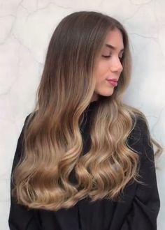 Pin by The Fragile Soul on Highlights hair Face Shape Hairstyles, Cool Hairstyles, Hair Inspo, Hair Inspiration, Really Long Hair, Brown Blonde Hair, Pinterest Hair, Hair Highlights, Balayage Hair