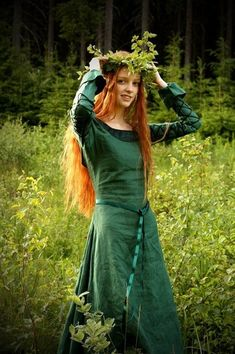 I always think of green as the iconic pre-raphaelite dress color