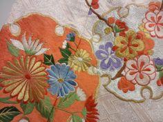 [ アンティーク着物 ] - 振袖 アンティーク 雪輪に花模様刺繍五つ紋花嫁衣裳掛下(比翼付き) 着物、アンティーク着物、リサイクル着物のシンエイ