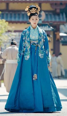 Untouchable Lovers Chinese Ancient Princess Liu Chuyu Embroidered Replica Costumes and Headpiece Complete Set for Women Korean Traditional Dress, Traditional Dresses, Oriental Fashion, Asian Fashion, Asian Style, Chinese Style, Ancient China Clothing, The Empress Of China, Lover Dress