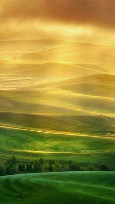 http://www.FarrScape.com -- Follow your inspiration. #mountains #landscape #inspirations #beauty Tramonto