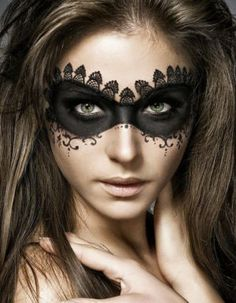 Masquerade Mask beautiful and creative halloween makeup ideas