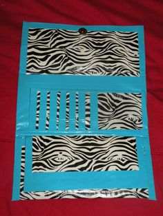 Duct tape wallet - mine isn't this complex but it's still cute & useful! - Mini Van