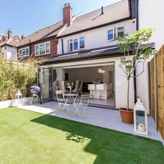 Single storey rear extension to a terraced property. Single storey rear extension to a terraced property. House Extension Plans, House Extension Design, Extension Designs, Roof Extension, Extension Ideas, Victorian Terrace, Victorian Homes, Single Storey Extension, Open Plan Kitchen Dining Living