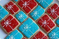 Vintage Presents - Rolled Sugar Cookies Recipe - Christmas cookies - TheJuneBride. Best Christmas Desserts, Christmas Sugar Cookies, Christmas Cupcakes, Holiday Cookies, Christmas Candy, Simple Christmas, Diy Christmas, Christmas 2017, Rolled Sugar Cookie Recipe