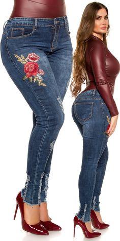 Rojtos Plus Size farmer virág hímzéssel Plus Size, Farmer, Skinny Jeans, Pants, Fashion, Trouser Pants, Moda, Fashion Styles, Farmers