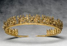 tiara -  300-250 BC. Canosa, tomb Lagrasta. Gold, glass and enamel | Louvre Museum