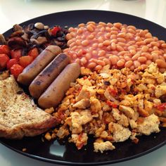 Vegan breakfast. Looks more like an English Breakfast