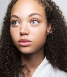 Searching for light makeup looks? We've combined the best no-makeup makeup looks as well as the products necessary to get them, right this way.