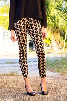 Houndstooth leggings. Are you daring enough to try this trend?