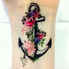 This is such a chic colour tattoo... I would love this on my upper thigh…