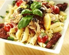 Salade de pâtes fraîcheur au poulet (facile, rapide) - Une recette CuisineAZ
