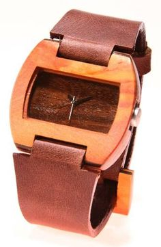 Reloj de Pulso en madera marca Maguaco RM001 en Carreto Guajiro y Ebano Sinuano. $170.000 COP