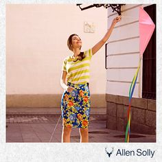 Let your summer style come easy, with this floral skirt.
