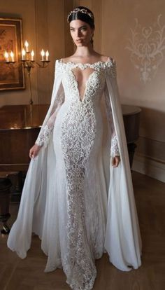 Sexy-Open-back-Long-Sleeve-Appliques-Lace-V-Neck-Wedding-Dresses-Bridal-Gown