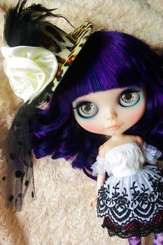 Blythe (is it wrong that I kind of wish I looked like this doll??)